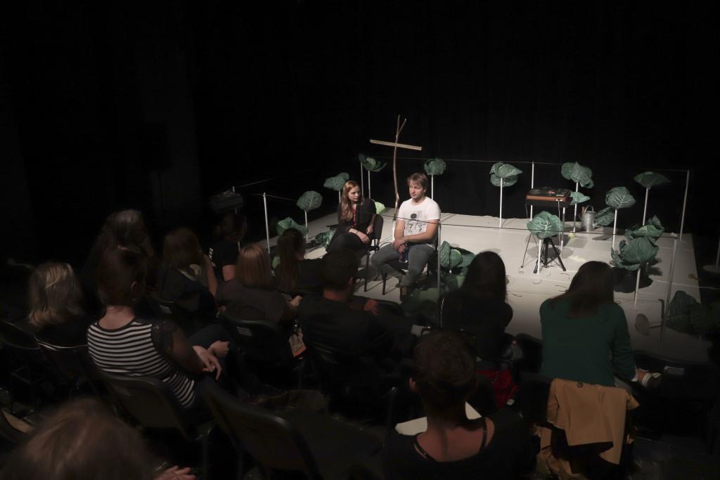Po představení Prešovské národného divadla  Moral Insanity následovala diskuze s Peterem Brajerčíkem